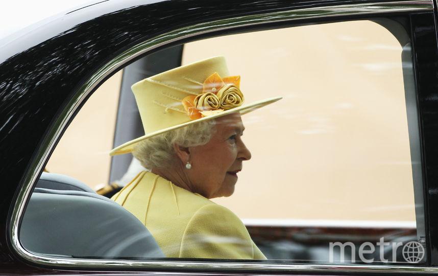 Желтый часто встречается в гардеробе королевы (апрель 2011). Фото Getty