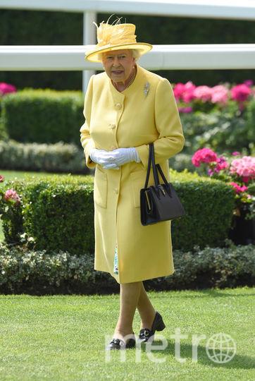 Желтый часто встречается в гардеробе королевы (июнь 2017). Фото Getty