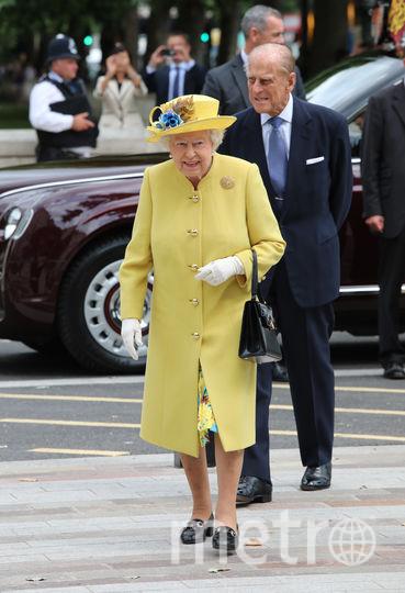 Желтый часто встречается в гардеробе королевы (июль 2017). Фото Getty