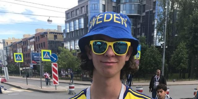Болельщик сборной Швеции Аксель Свенсон.