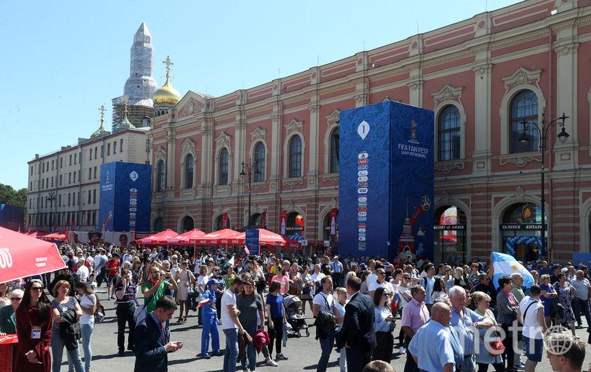 Петербургская фан-зонаЧМ ожидает миллионного гостя