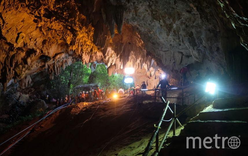 Дайвер погиб по время операции по спасению детей из пещеры в Таиланде. Фото Getty