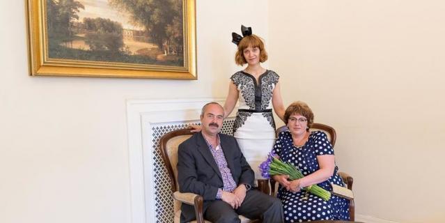 Ирина и Вячеслав Лазаревы с дочерью Аленой.