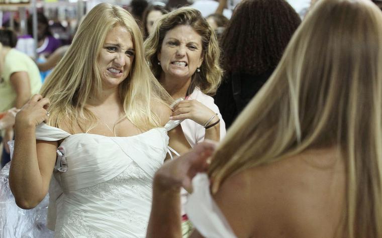 15% от всех средств, выделенных на празднование свадьбы, отложите на свадебные платье, костюм, обувь и аксессуары. Фото Getty