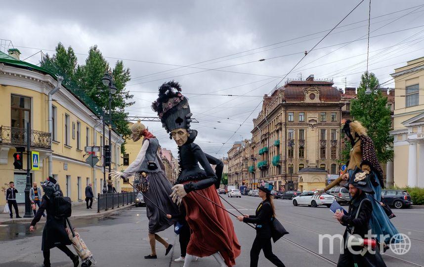 """День Достоевского в Петербурге. Фото Алены Бобрович, """"Metro"""""""
