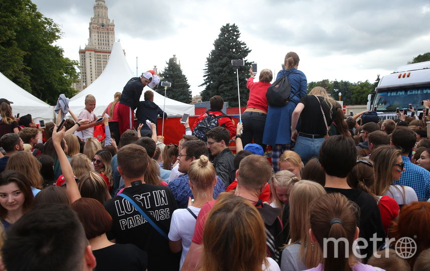 Сборную встречают в Москве. Фото Василий Кузьмичёнок