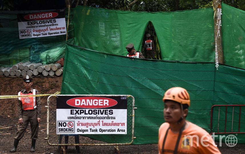 Военные, спасатели и волонтёры осуществуляют работы по подготовке спасательной операции. Фото AFP