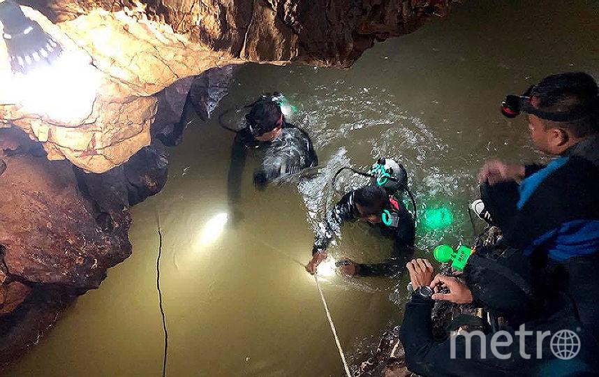 Военные, спасатели и волонтёры осуществуляют работы по подготовке спасательной операции. Фото Royal Thai Navy, AFP