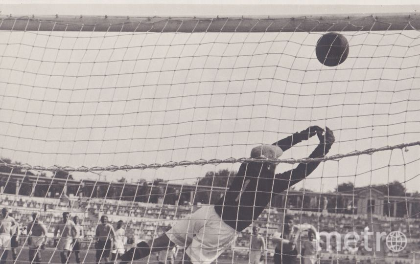 «Запасной игрок» (1954). В фильме 37-летний Георгий Вицин сыграл 19-летнего футболист. Фото кадр из фильма
