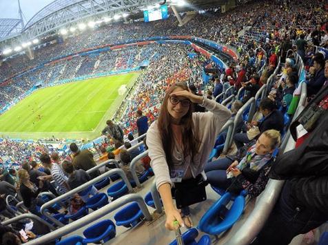 Болельщица матча Франция – Бельгия. Фото Instagram/matsukaaa_