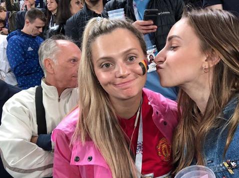 Болельщица матча Франция – Бельгия. Фото Instagram/kot_ti