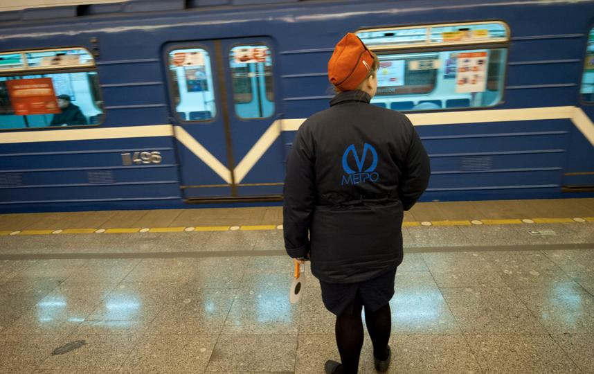 """Поезда на Линии 4 метро Петербурга. Фото """"Metro"""""""