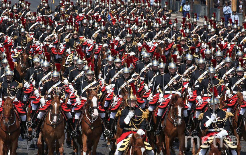 Парад в Париже. Фото AFP