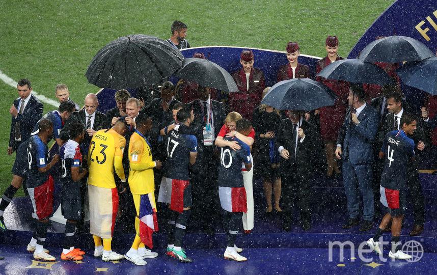 Сборной Франции вручили Кубок мира в Москве. Фото Getty