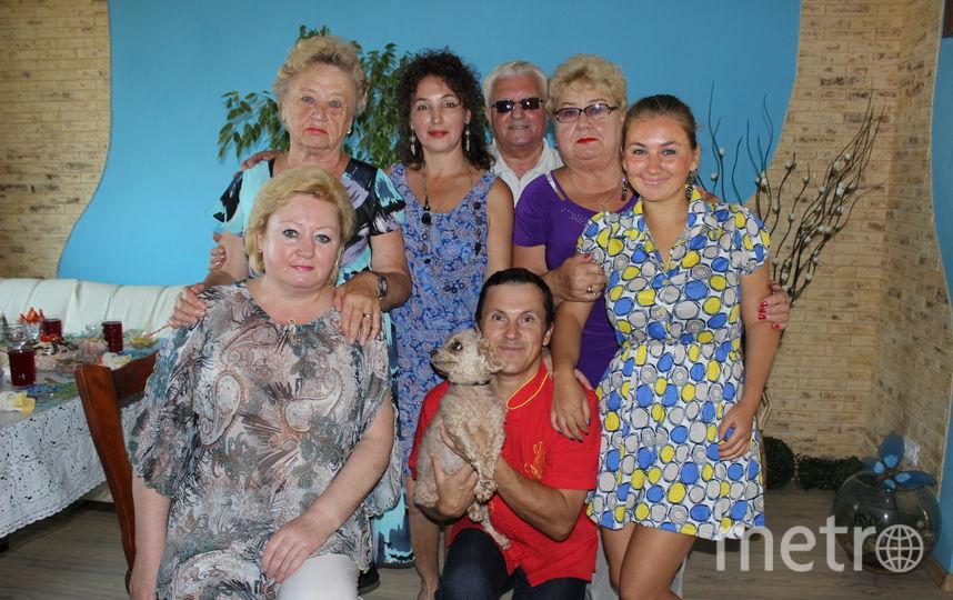 Самое ценное на Земле -это человеческое общение. Любите жизнь и радуйтесь каждому дню, проведённому вместе с семьёй, и Вам будет о чём вспомнить спустя много-много лет, и Вы никогда не будете одиноки, если у Вас есть такая большая дружная семья! Фото Светлана Грекова.