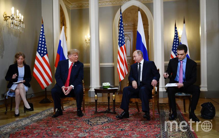 Путин и Трамп беседуют в Хельсинки. Фото AFP