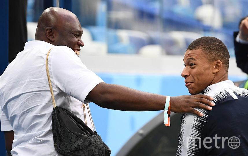 Килиан Мбаппе с отцом. Фото Getty