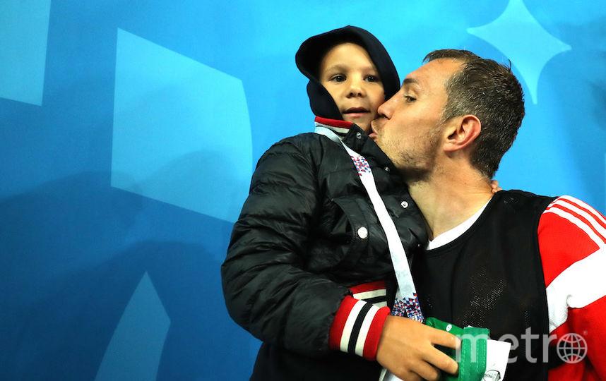 Артём Дзюба с сыном. Фото Getty