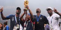Как футболистов на чемпионате мира поддерживали семьи