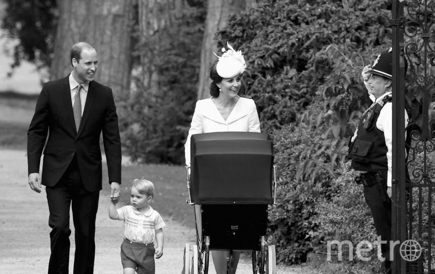 Принц Уильям и Кейт Миддлтон идут на крестины Шарлотты. 2015-й год. Фото AFP