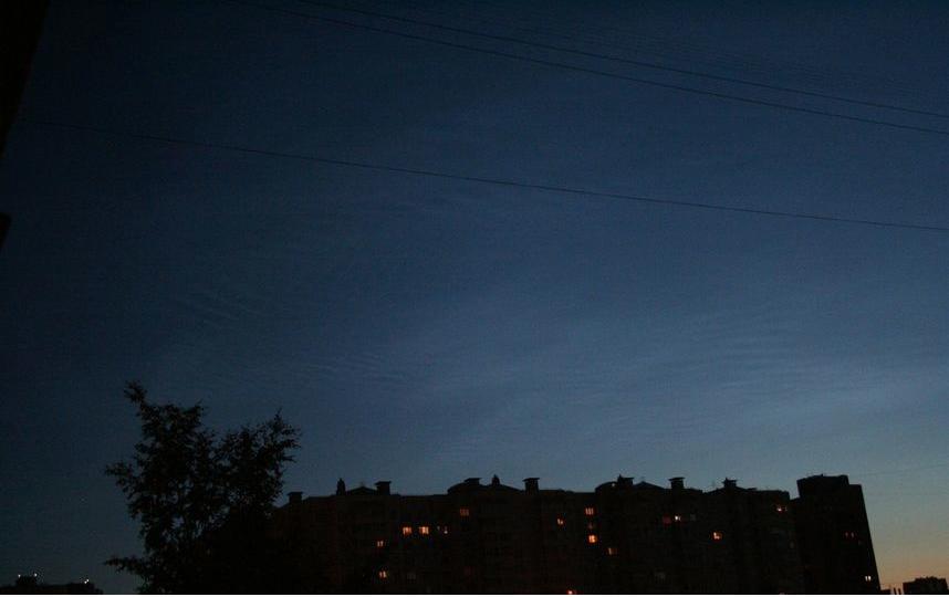 Серебристые облака в июне. Фото Владимир Мартьянов | vk.com/spb_today