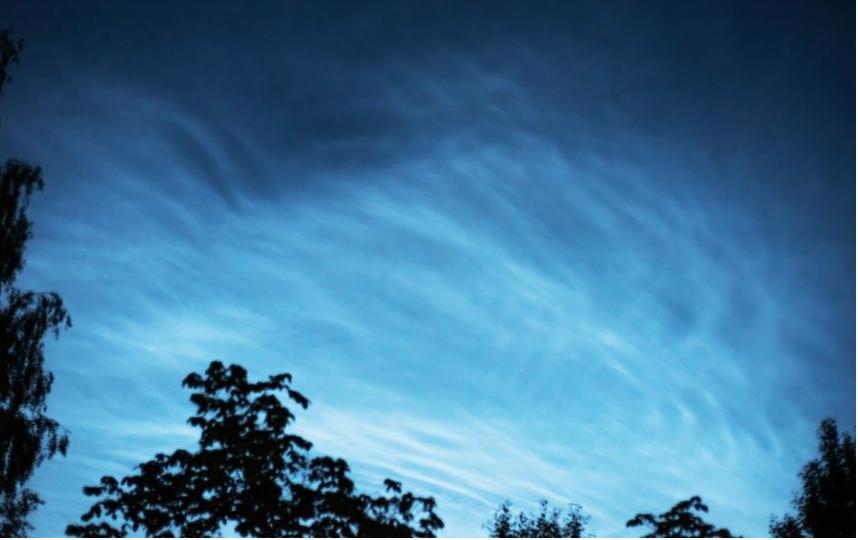 Серебристые облака в июне. Фото Андрей Игнатов | vk.com/spb_today