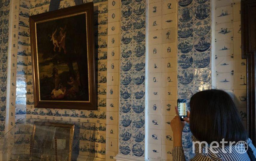 """Первая гастрономическая экскурсия """"Недуховная пища. О, да! Еда!"""" уже прошла по залам Дворца Меншикова. Фото Святослав Акимов, """"Metro"""""""