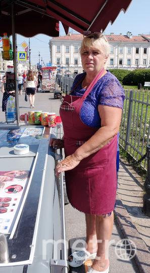 "Галина, 59 лет продавец мороженого. Фото Алена Бобрович, ""Metro"""