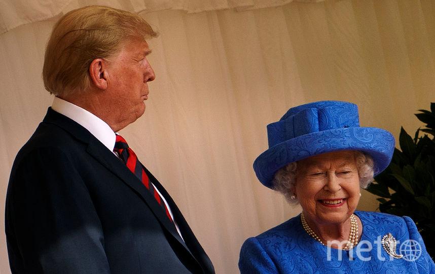 «Тот еще тролль»: СМИ поведали, как королева Елизавета тонко глумится над Трампом
