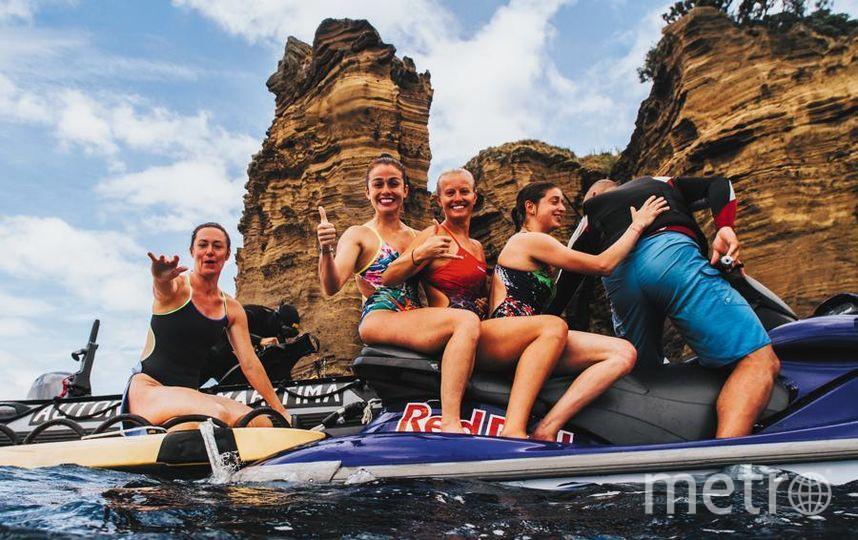 Клифф-дайверы прыгают в воду с высоты, в 3 раза превышающей высоту олимпийского трамплина для прыжков в воду. Фото redbullcontentpool.com