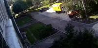 Видео спасения малыша, выпавшего из окна в Ленобласти, попало в Сеть