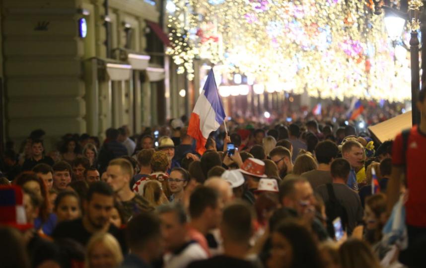 На Никольской улице в Москве провожают чемпионат мира. Фото Василий Кузьмичёнок
