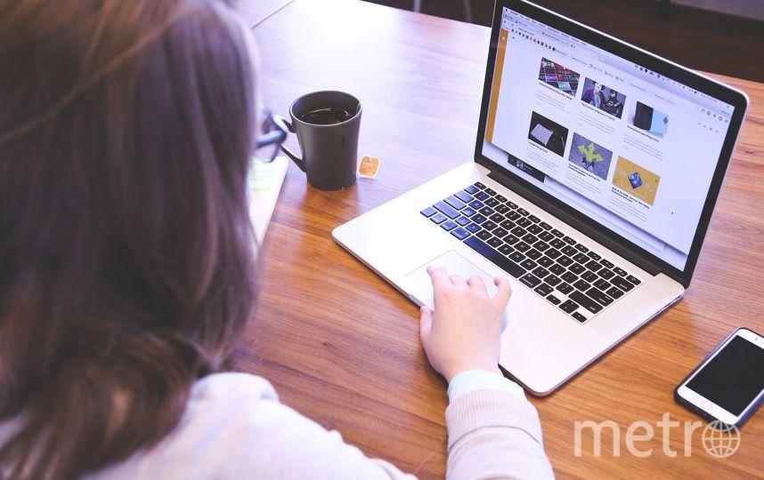 Специалисты рекомендуют никогда не сообщать конфиденциальные данные, например, логины, пароли, информацию банковских картах, сторонним лицам. Фото Pixabay