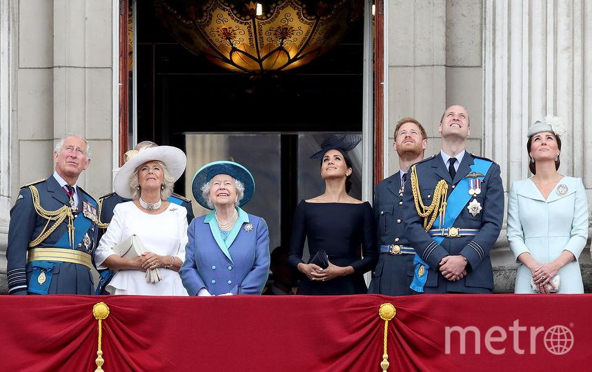 Принц Чарльз, Камилла Паркер-Боулз, Елизавета II, Меган Маркл, принц Гарри, принц Уильям и Кейт Миддлтон. Фото Getty