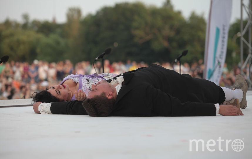 "В Петербурге показали оперу ""Манон Леско"". Фото Святослав Акимов, ""Metro"""