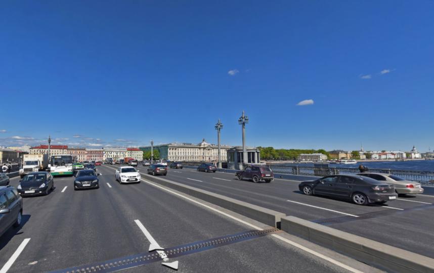 СБлаговещенского моста снимут устаревшие осветительные приборы иподсветку