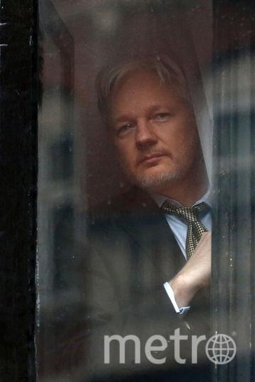 Джулиан Ассанж в посольстве Эквадора в Лондоне. Фото Getty