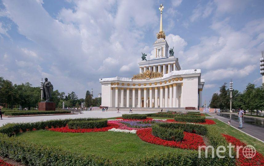 Цветники восстановлены по образцам 50-х годов XX века. Фото mos.ru