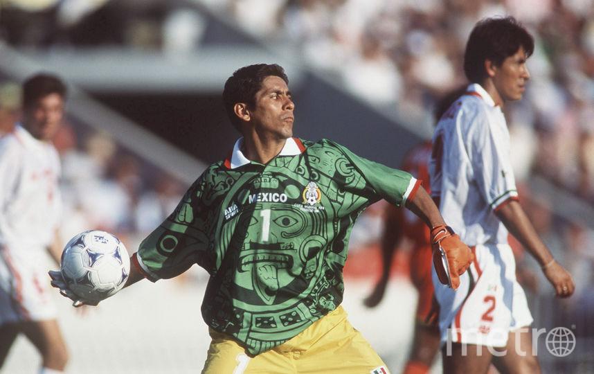 Мексиканский вратарь Хорхе Кампос. Фото Getty