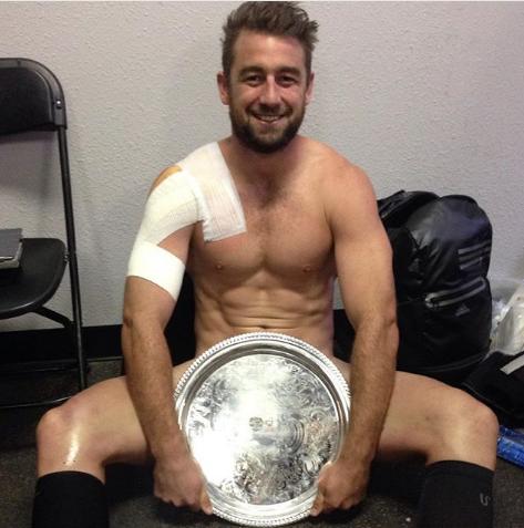 Новозеландский регбист Курт Бейкер. Фото www.instagram.com/krutbaker
