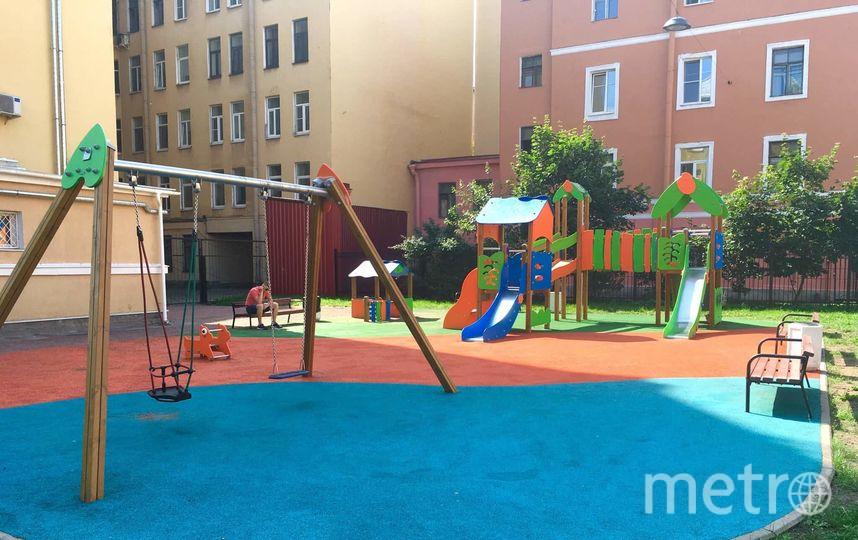 Детская площадка с установленной песочницей. Фото предоставлено активистами