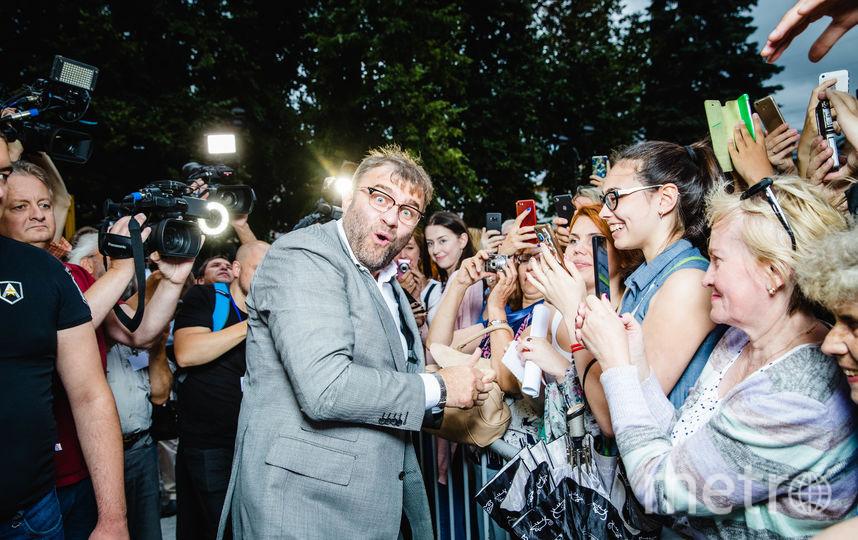 Михаил Пореченков с фанатами. Фото Анна Темерина.