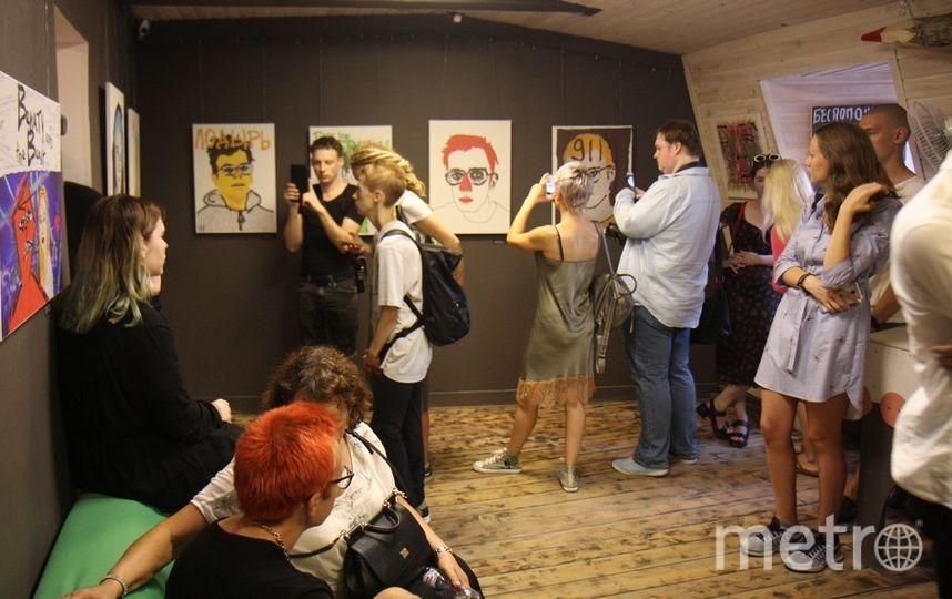 """Открытие выставки состоялось в галерее """"Свиное рыло"""". Фото Михаил Садчиков-младший, """"Metro"""""""