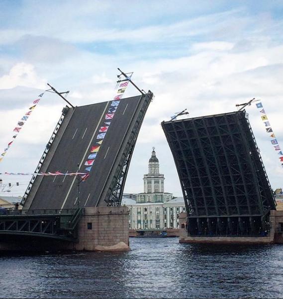 Фото генрепетиции парада к Дню ВМФ в Петербурге. Фото https://www.instagram.com/holimakle/