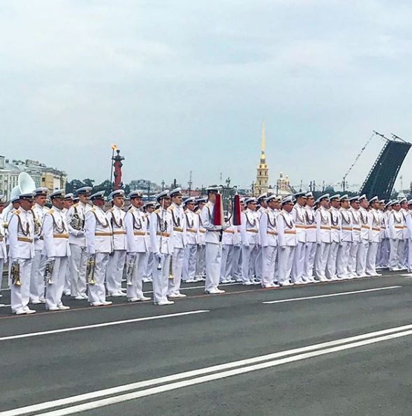 Фото репетиции парада к Дню ВМФ в Петербурге. Фото https://www.instagram.com/kibitov/