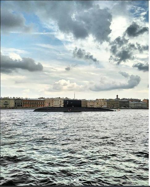 Фото репетиции парада к Дню ВМФ в Петербурге. Фото https://www.instagram.com/o_itsmylife/