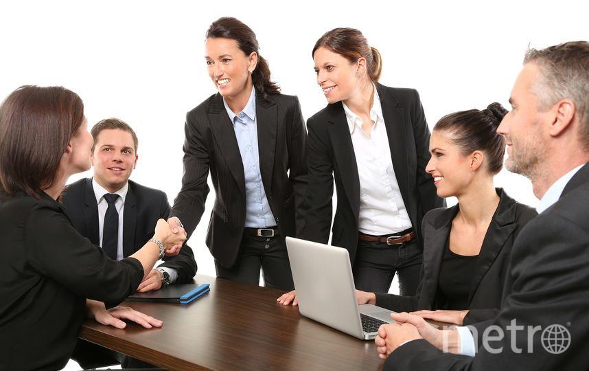 Юристы кажутся привлекательными и мужчинам, и женщинам. Фото Pixabay