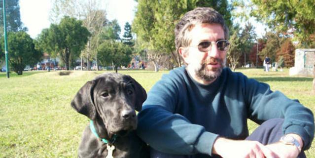 Клаудио Герцович Лис, специалист по поведению животных.