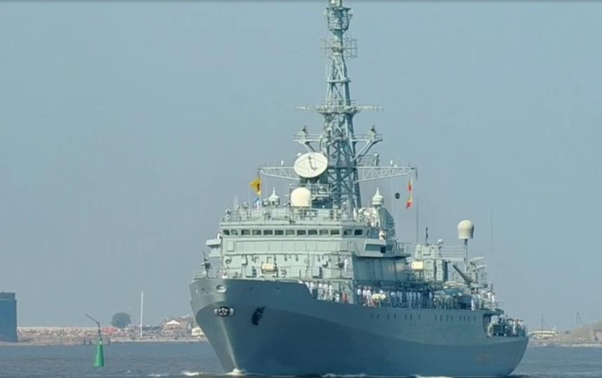 Парад в честь Дня Военно-Морского Флота в Петербурге. Фото скриншот видео www.1tv.ru/live