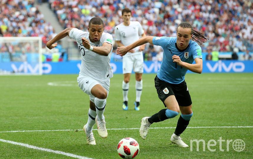 Уругваец Диего Лаксальт в матче со сборной Франции. Фото Getty